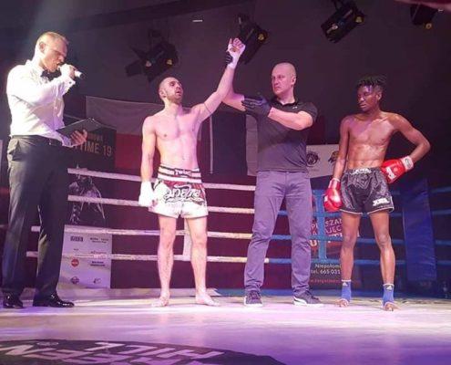 Mateusz Kucharski zostaje zawodowym Mistrzem Polski MUay Thai I.S.K.A.